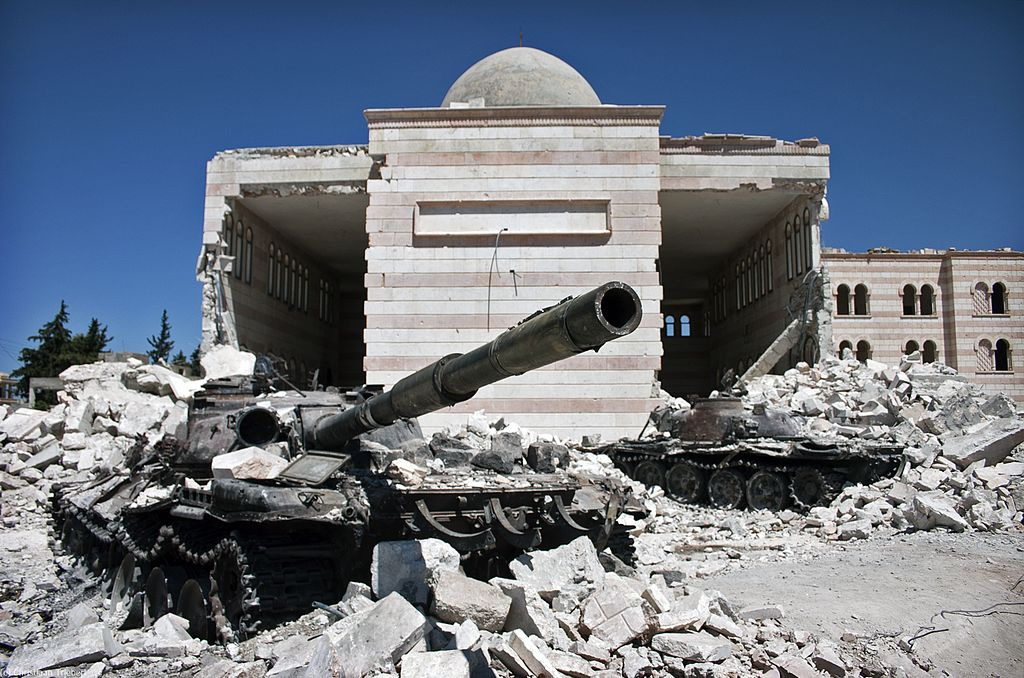 Two destroyed tanks in front of a mosque in Azaz, Syria. Wikimedia Commons/Creative Commons/Christiaan Triebert