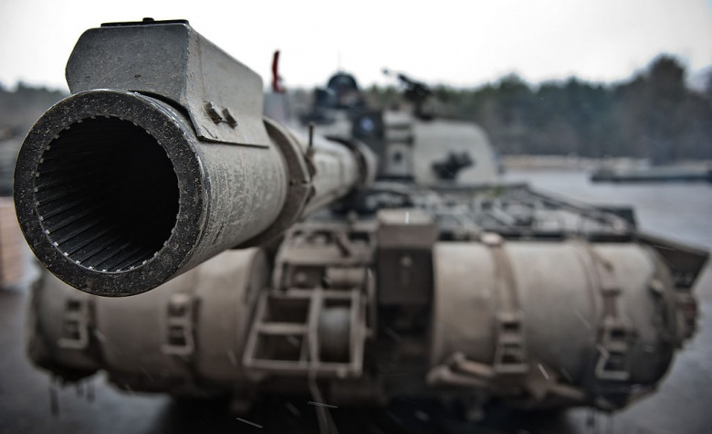 A Challenger 2 main battle tank with The Queen's Royal Hussars (QRH) at Hohne ranges in Germany. UK Defence Imagery/Cpl Ross Fernie RLC