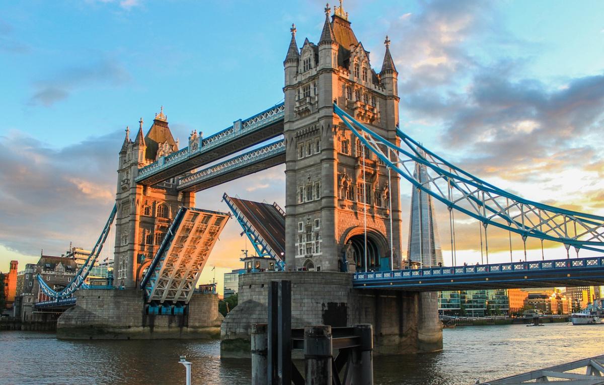 London's Tower Bridge at evening. Pixabay/Public domain
