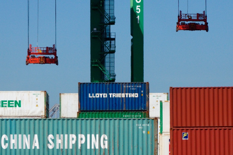 Chinese shipping containers in Oakland, California. Flickr/Jed Sullivan