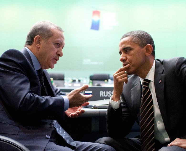 Barack Obama talks with Recep Tayyip Erdoğan. Wikimedia Commons/The White House