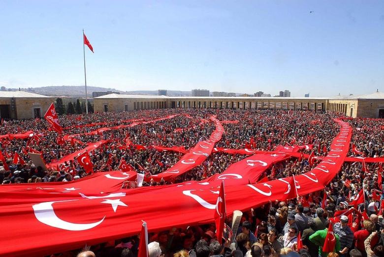 Republic protests in Ankara, 2007. Wikimedia Commons/Selahattin Sönmez
