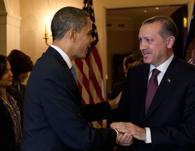 Barack Obama welcomes Recep Tayyip Erdoğan to the Oval Office. Flickr/The White House