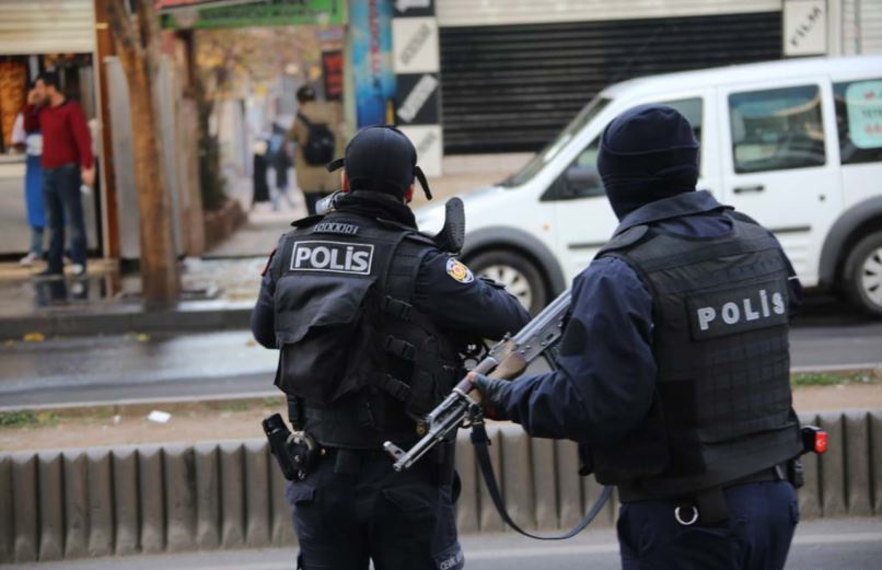 Turkish police forces in Diyarbakır, Turkey. Wikimedia Commons/Voice of America