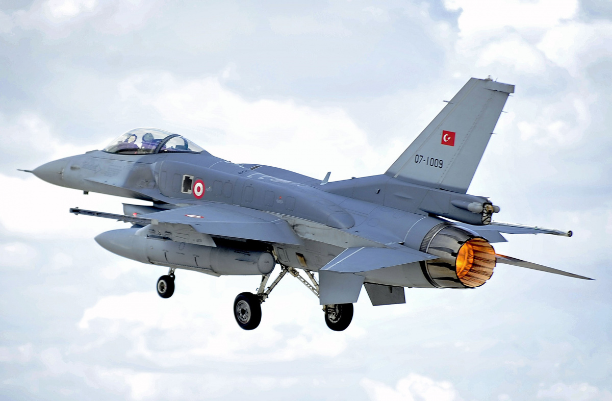 Cómo Turquía destruyó su propia fuerza aérea