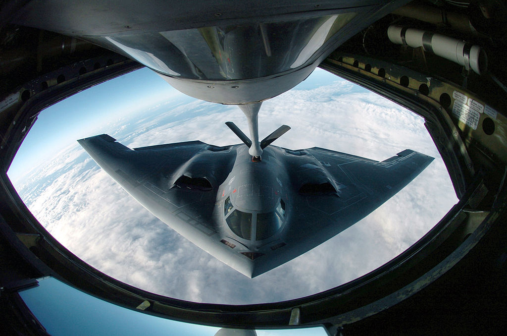 A B-2 Spirit bomber refuels from a KC-135 Stratotanker. Wikimedia Commons/U.S. Air Force