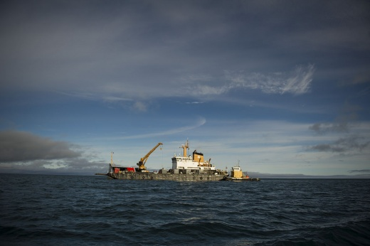 The USCGC Sycamore anchors off the coast of Barrow, Alaska as the crew prepares for a spilled oil recovery system exercise during Arctic Edge 2012. Wikimedia Commons/U.S. Air Force