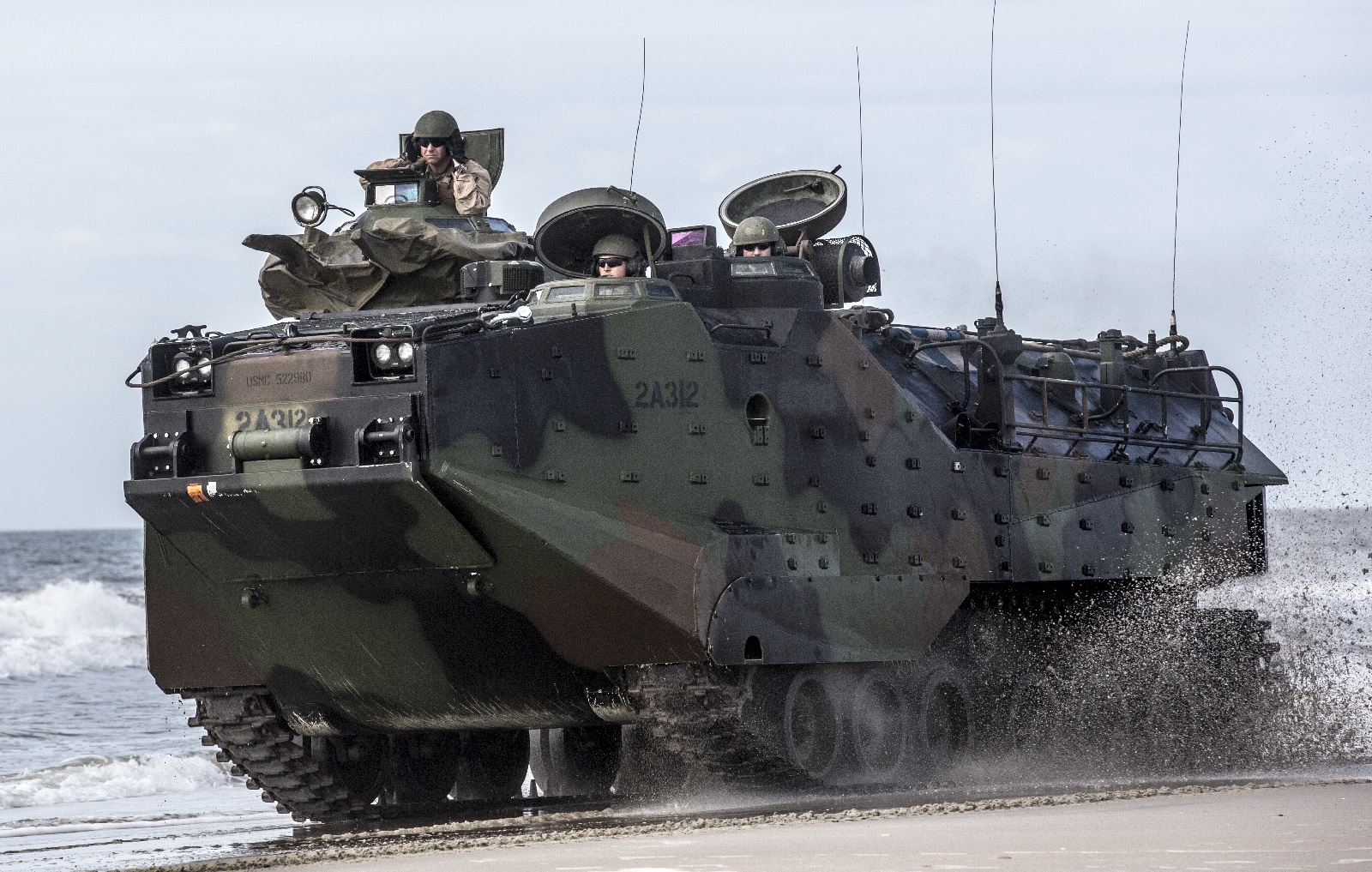 """The U.S. Marine Corps Is Getting New Armored Vehicles That Can """"Swim"""""""