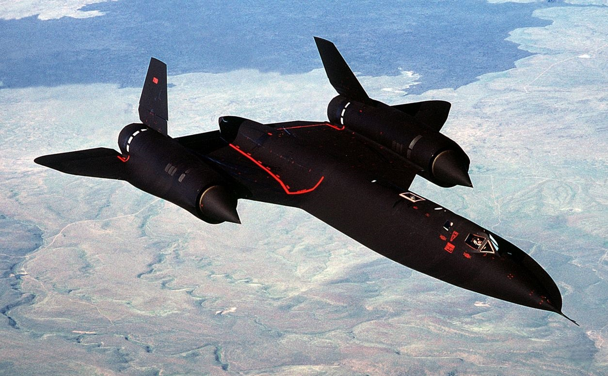 The SR-71 Blackbird Was So Fast It Could Out Run Missiles (But Sits in a Museum)