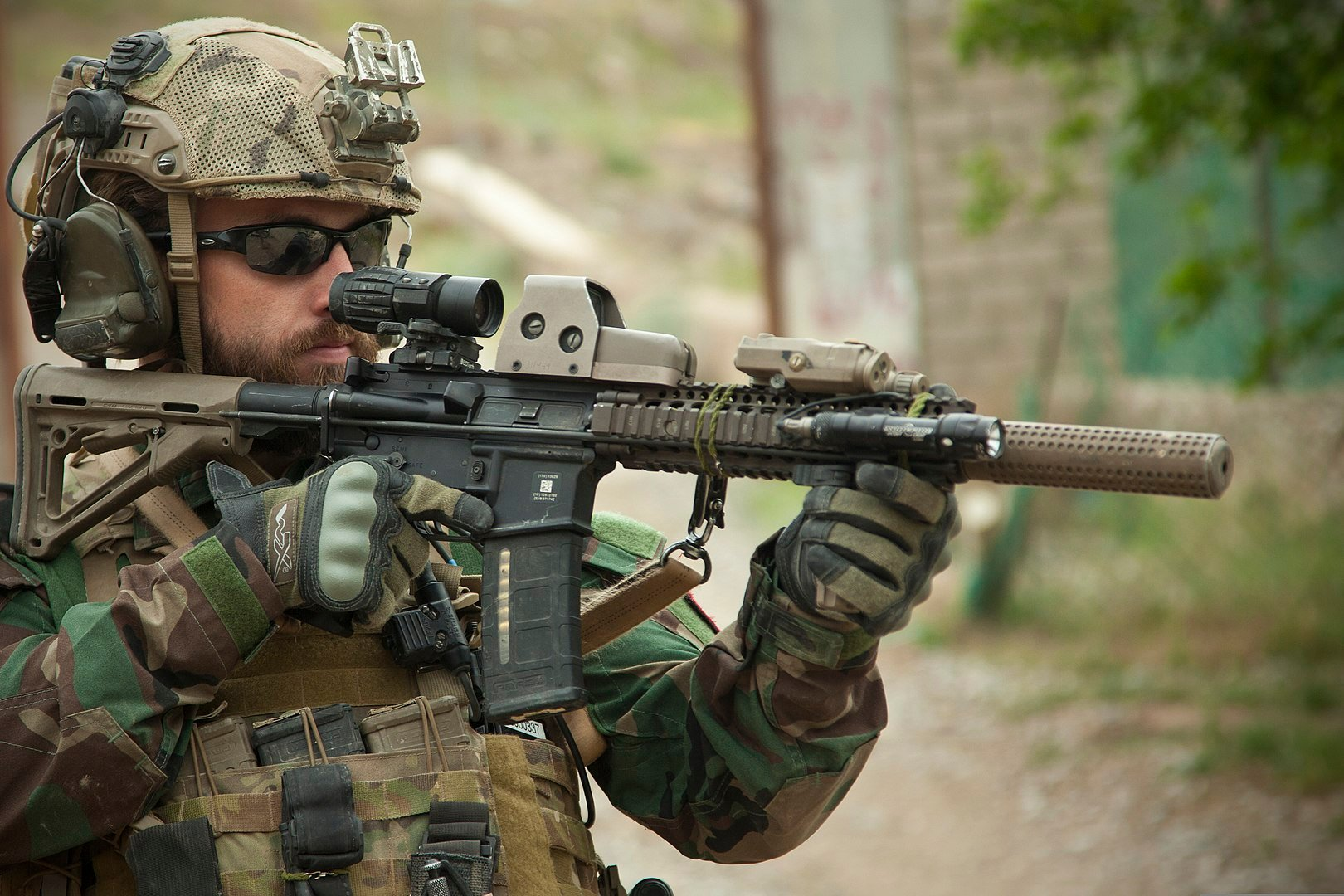 Marine Raiders, Navy SEALs and PJs: What You Need To Now About Air Force, Marine and Navy Special Forces