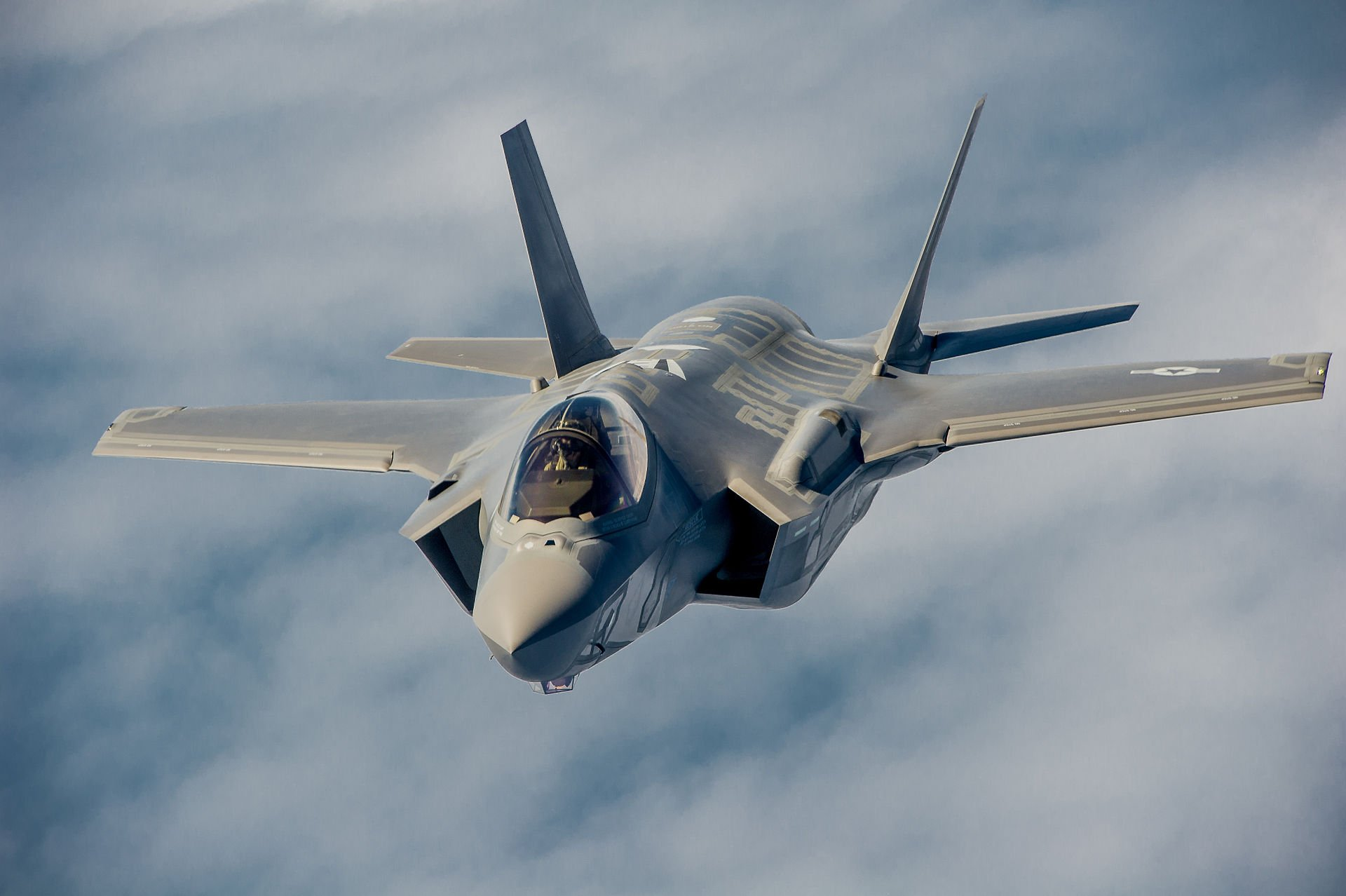 F-22 and F-35: How the Air Force Is Working to Stay Ahead of China's J-20 and Russia's PAK-FA