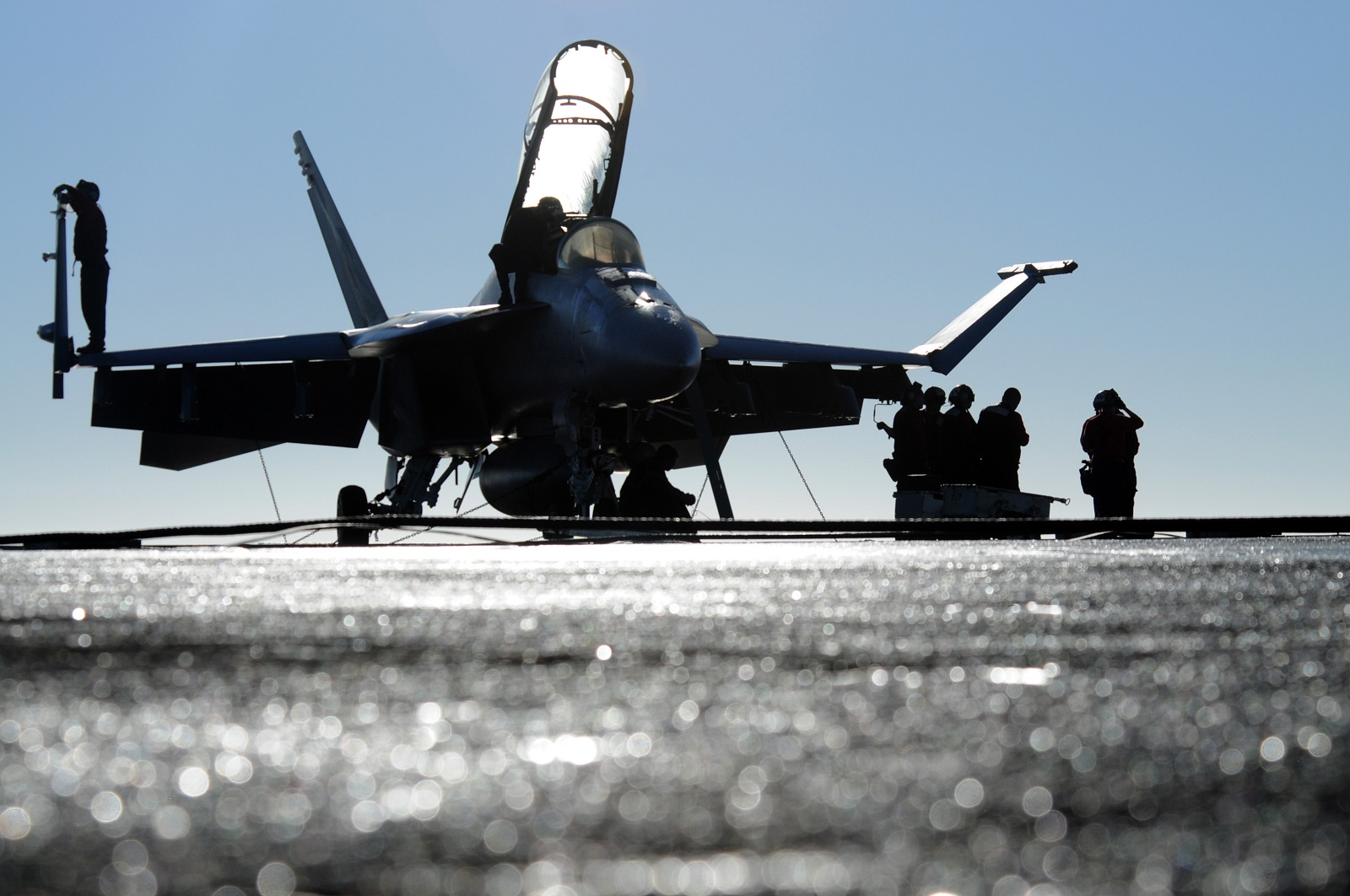 Why America Has No Aircraft Carrier's Standing By To Take on Venezuela