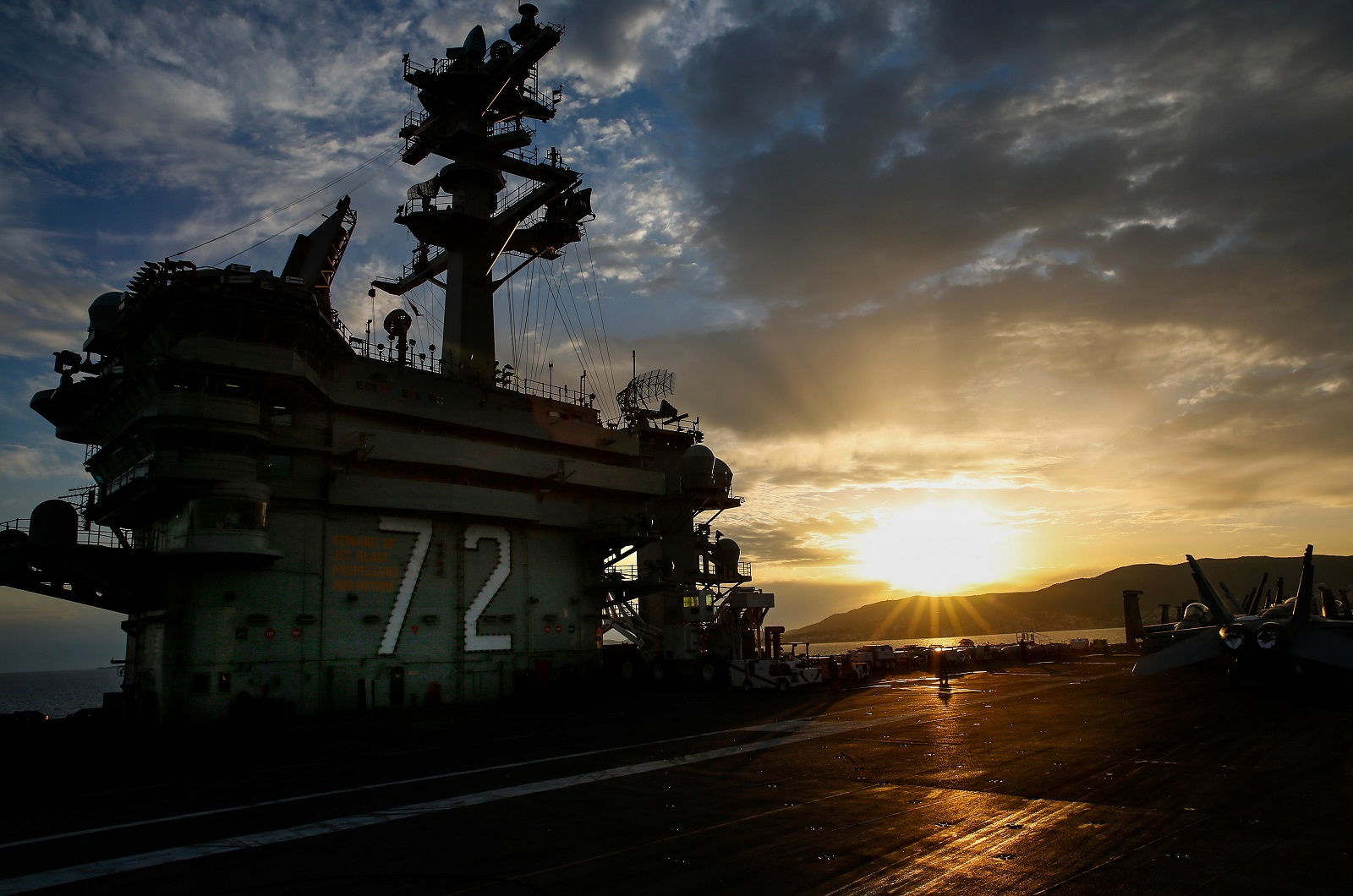 Navy Mystery: Why Doesn't Russia Go Aircraft Carrier Crazy?