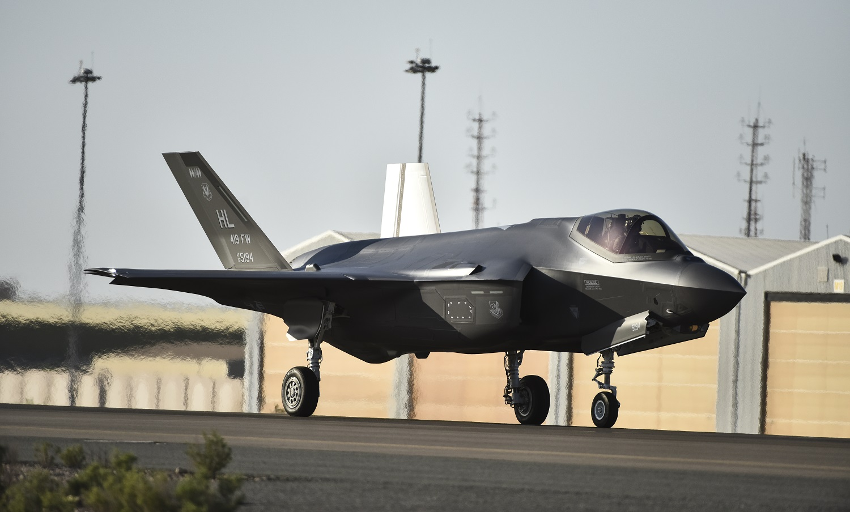 "Epic: F-35 Kills Dozens of Enemy Fighters in Crazy Combat ""Scenario"""