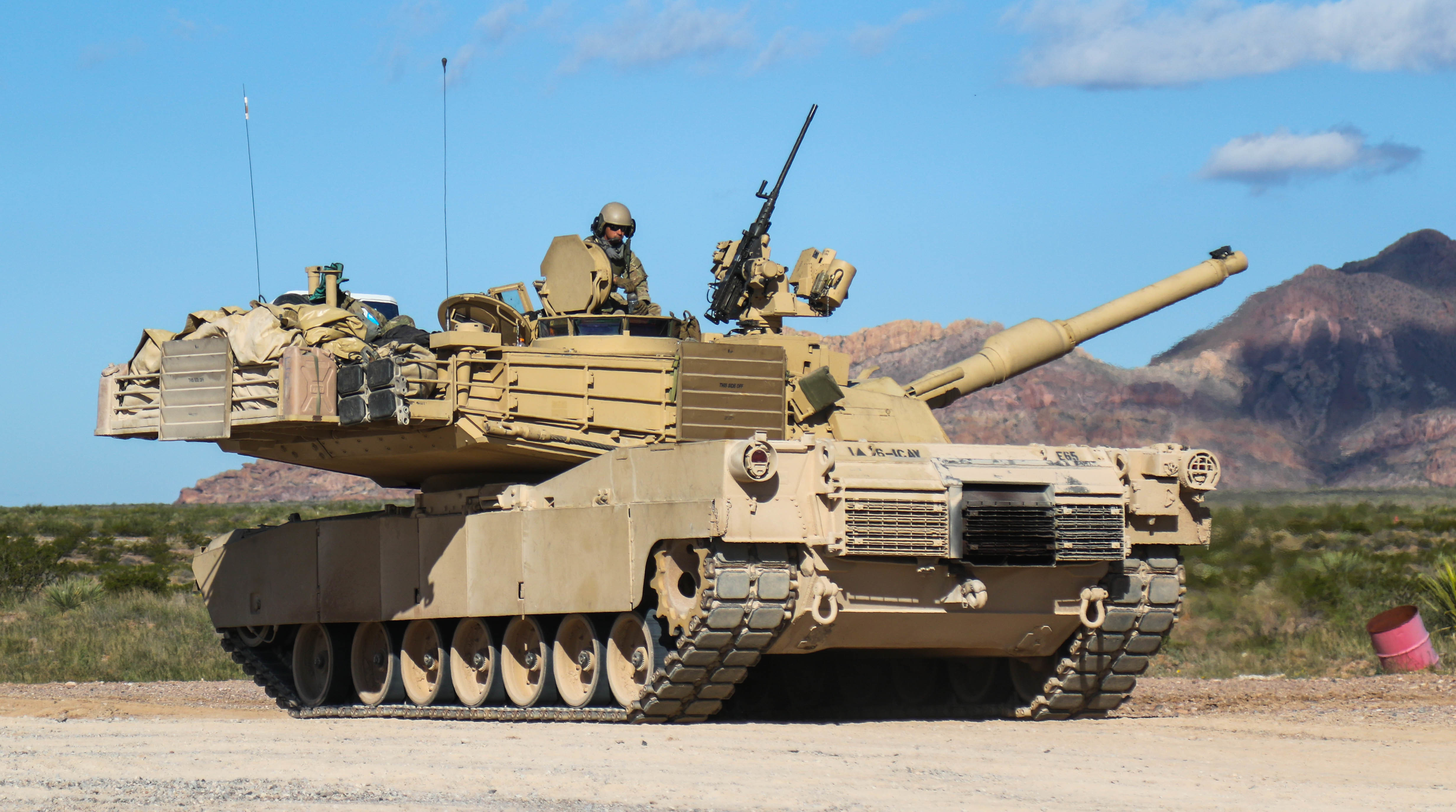 US Soldiers Test their Tanks following Armor Upgrade