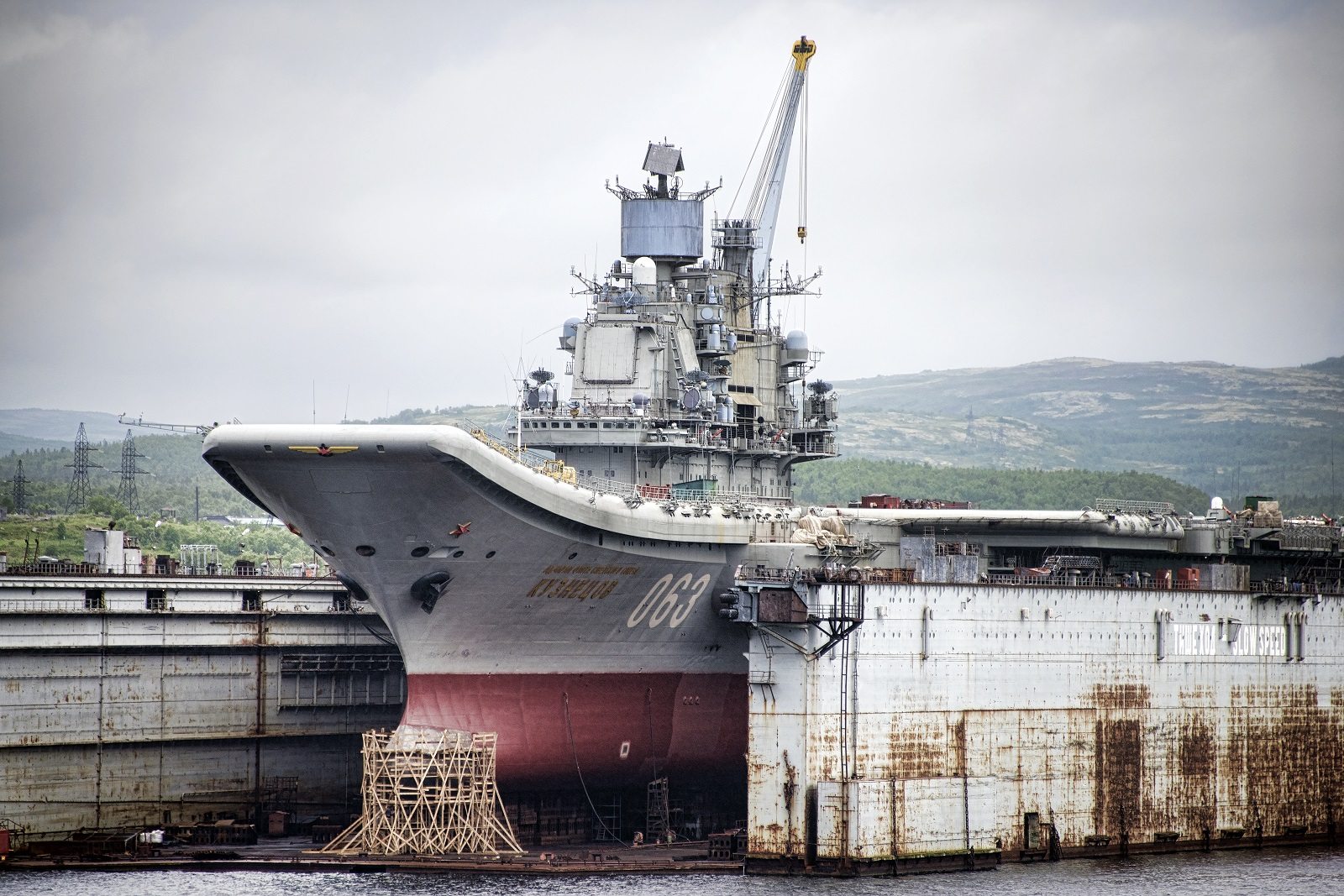 Navy Riddle: Why Does Russia's Aircraft Carrier Pump Out So Much Black Smoke?
