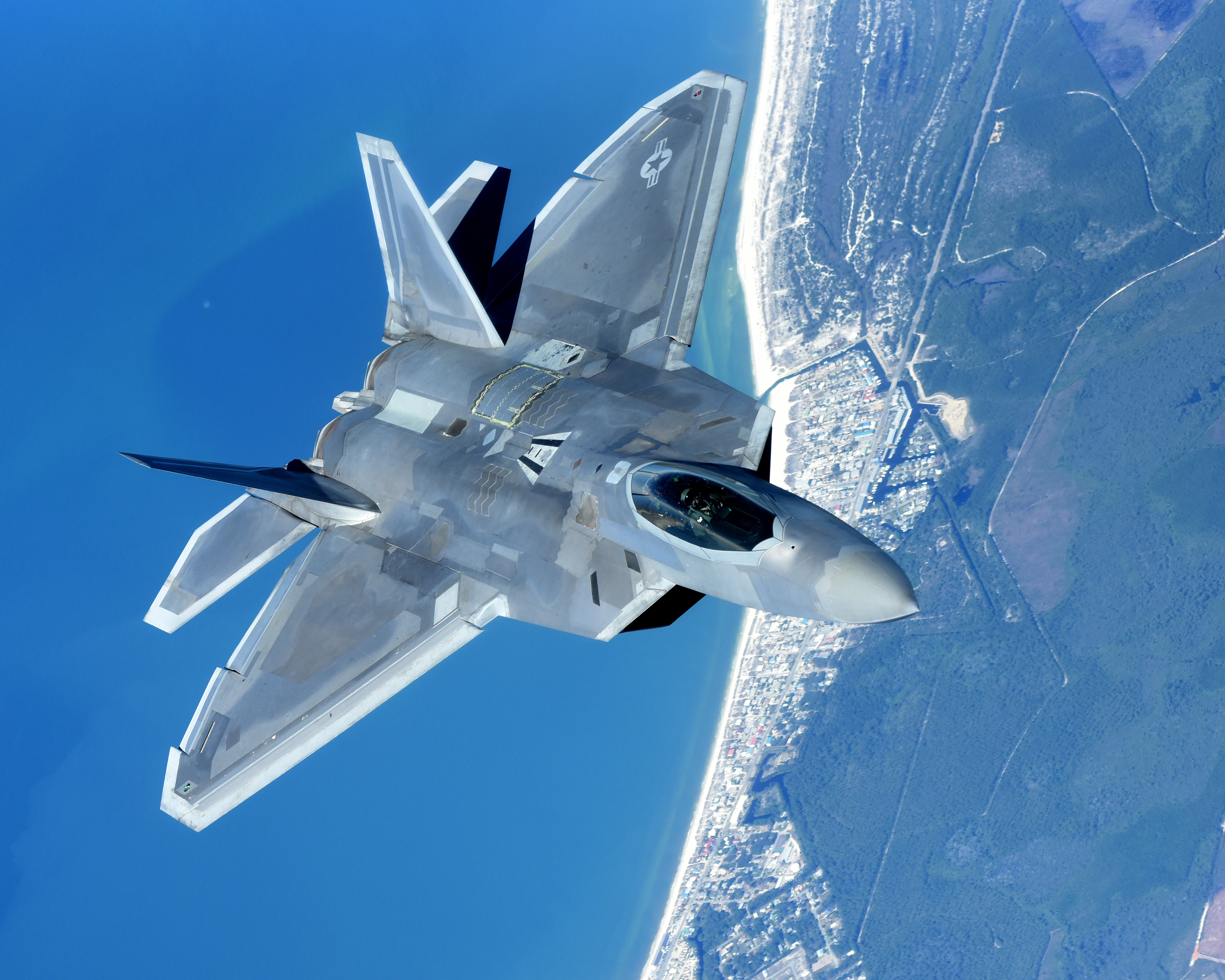 The Two Things Air Force F-22 Raptors Can't Defeat