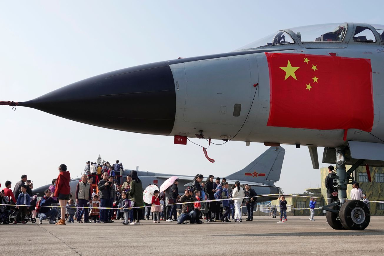 China's Large and Mighty Air Force Still Has 1 Big Problem