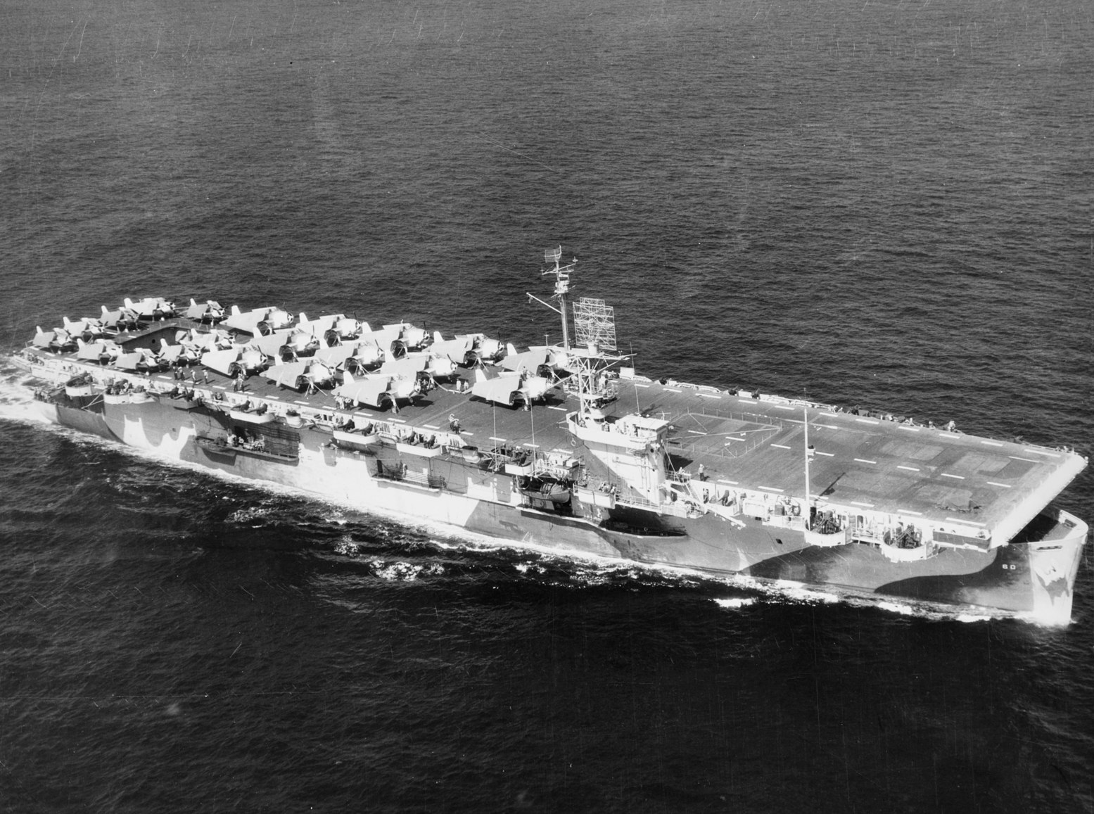 Study This Picture: America Built Dozens of These Fast Aircraft Carriers  During World War II   The National Interest