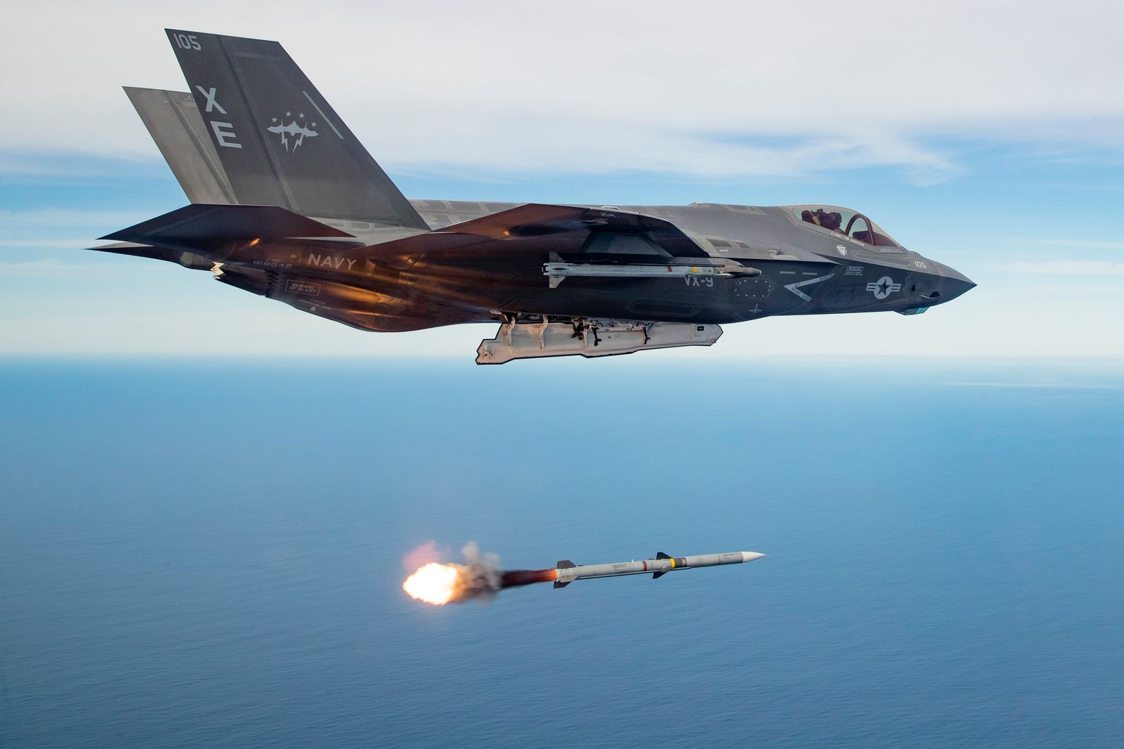 China Thinks the F-35 Would Get Trashed by Russia's New Su-57 Fighter