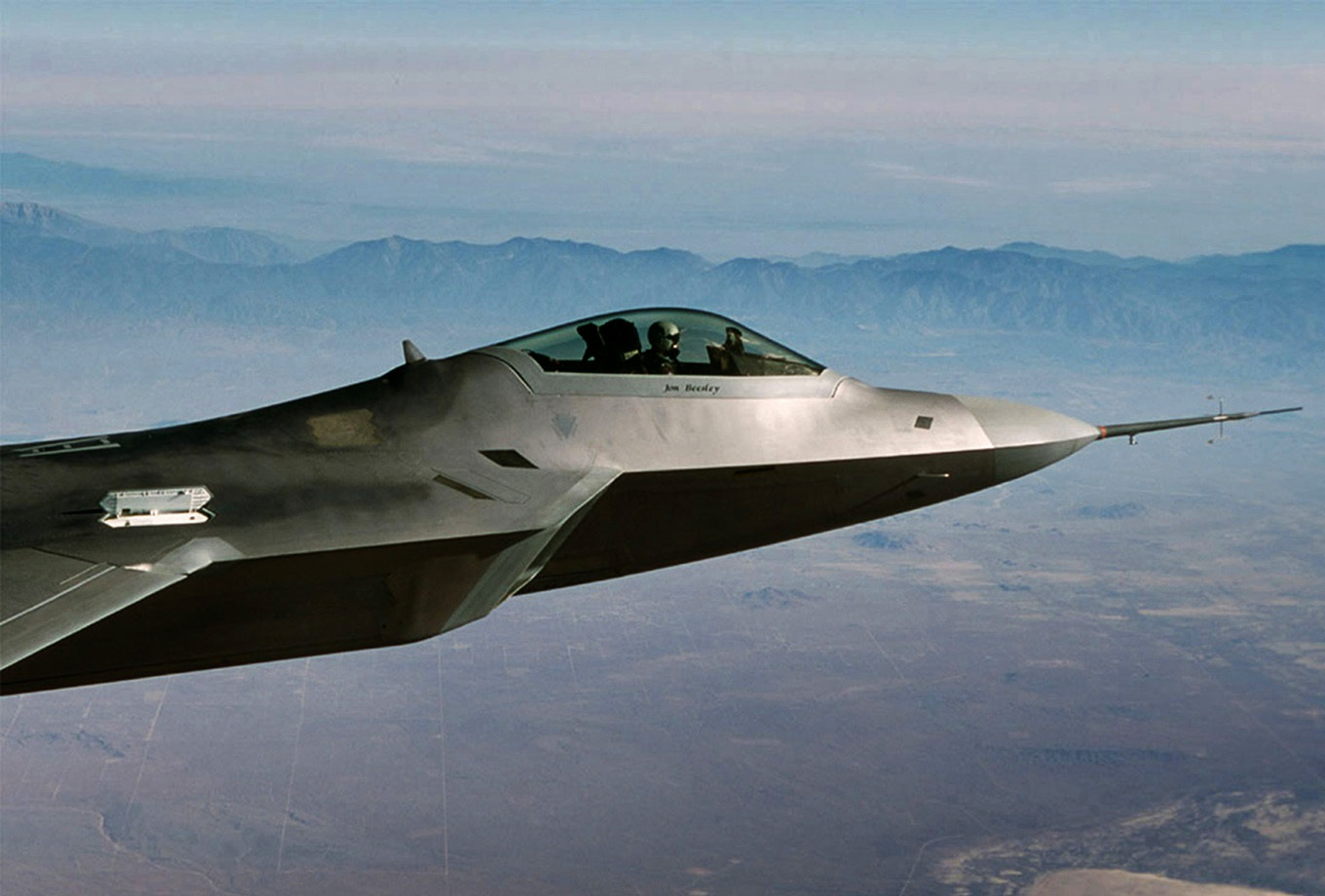 Secret Stealth Killer?: How China Could Try and Kill an F-22 Raptor