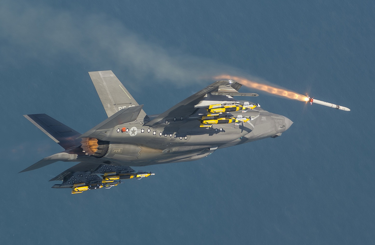 10 Reasons Nearly Nothing Can Stop the F-35 Stealth Fighter