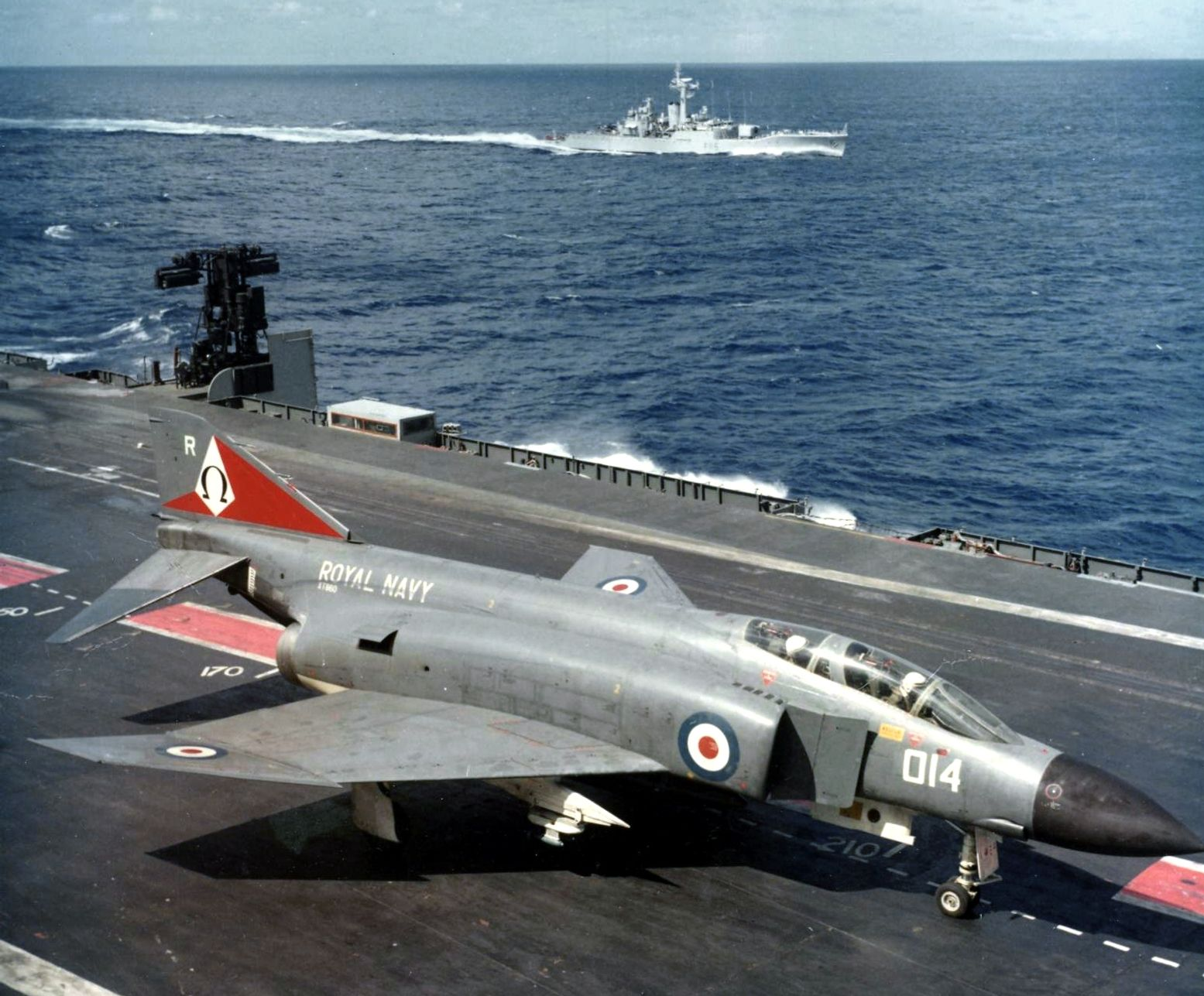 Rare Footage Found of Royal Navy Phantoms Practicing Aboard the