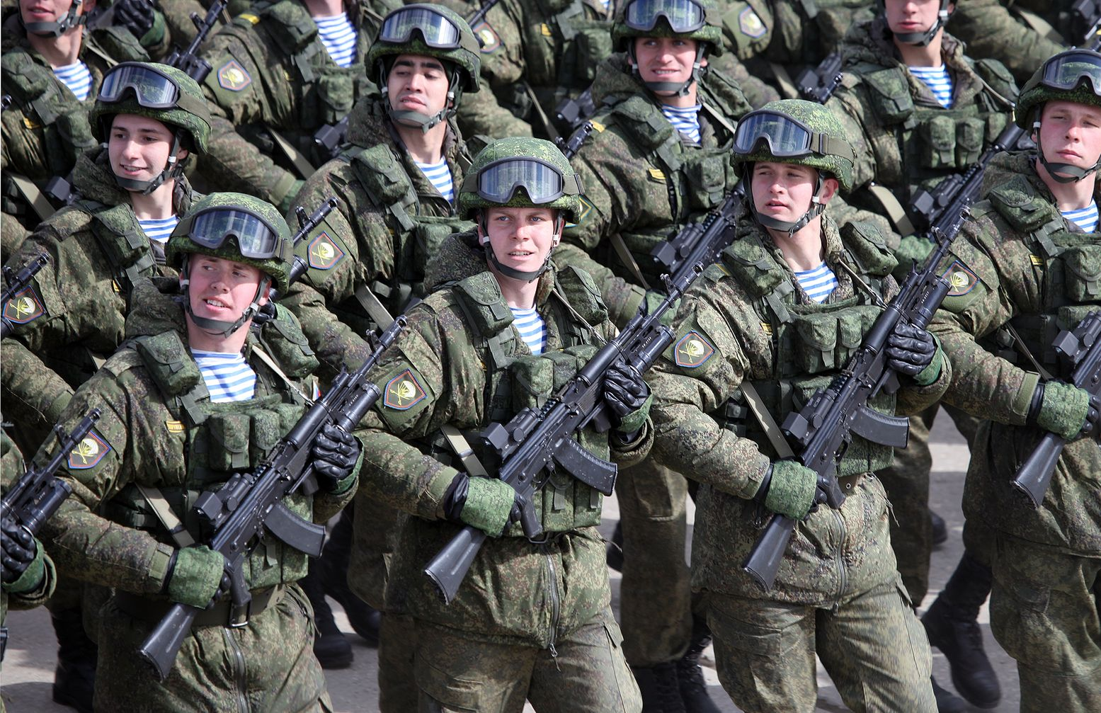 """Russia Plans to Use Soldiers' """"Genetic Passports"""" to Determine Their"""