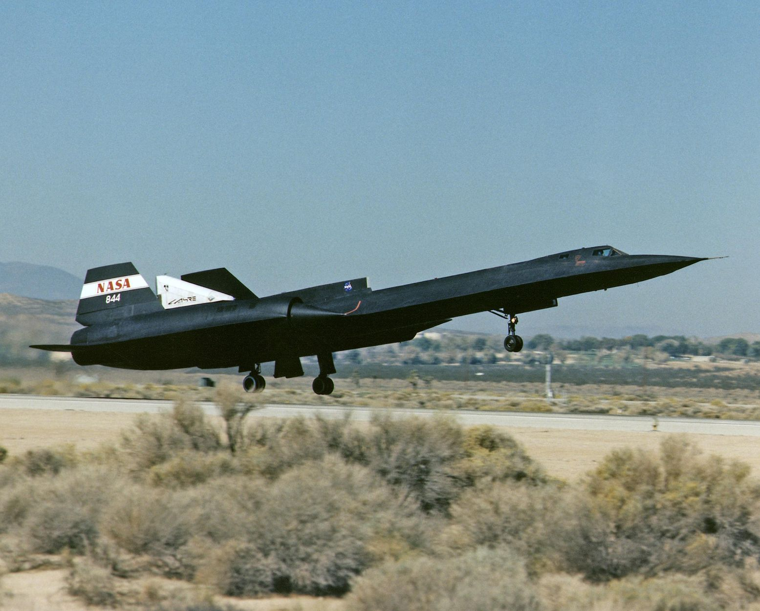 The Horrific Story of a SR-71 Blackbird Refueling Gone Wrong