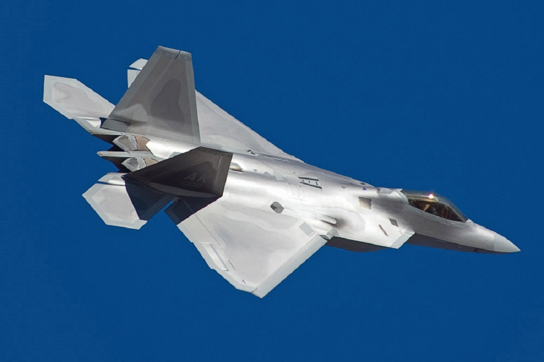 The Raptor Isn't 'Ready': America's F-22 Stealth Fighters Have a Problem