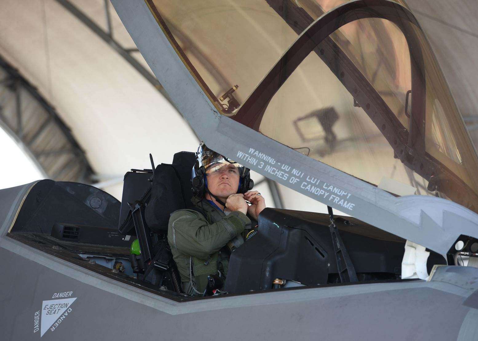 Check out This Amazing Helmet That Makes the F-35 a High-Tech Weapon