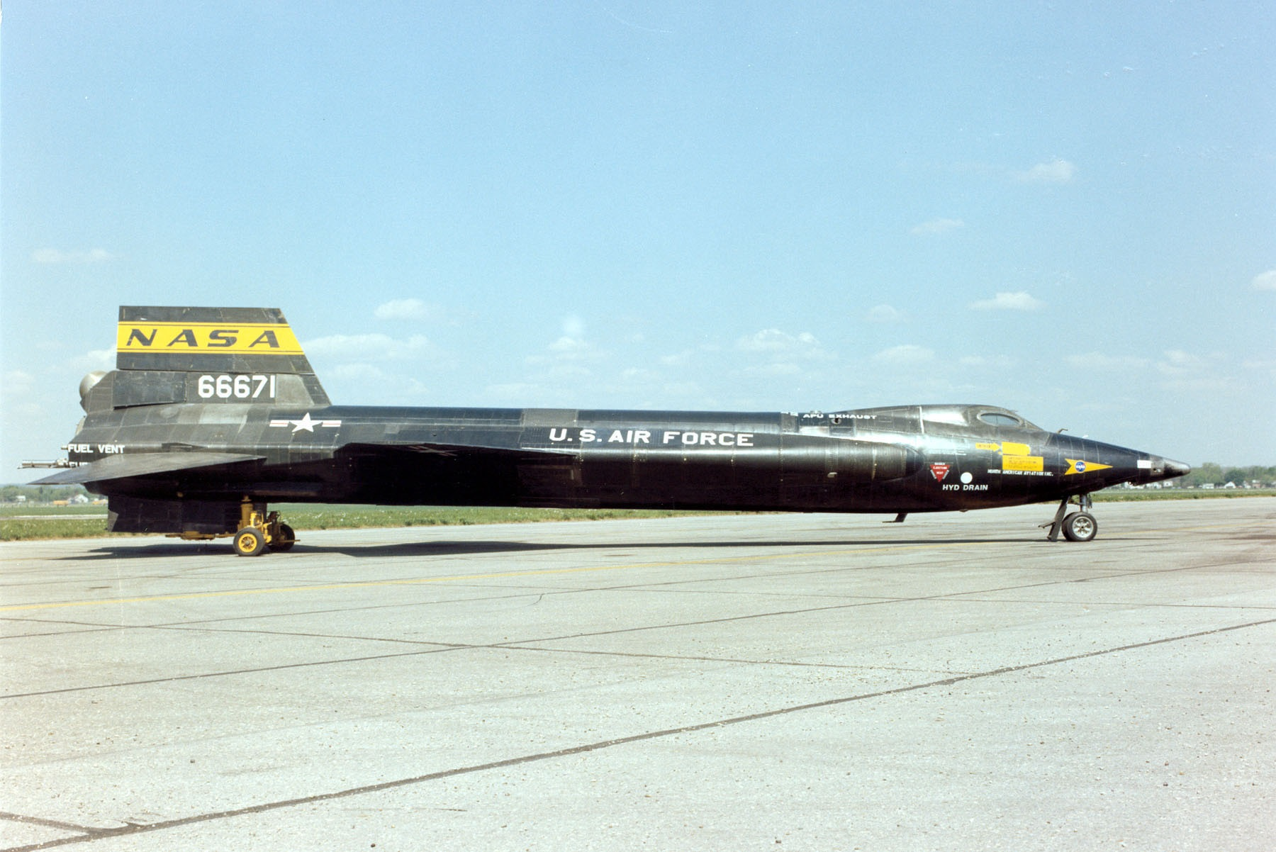 The Air Force's Hypersonic X-15s Had a Top Speed of Mach 6.7
