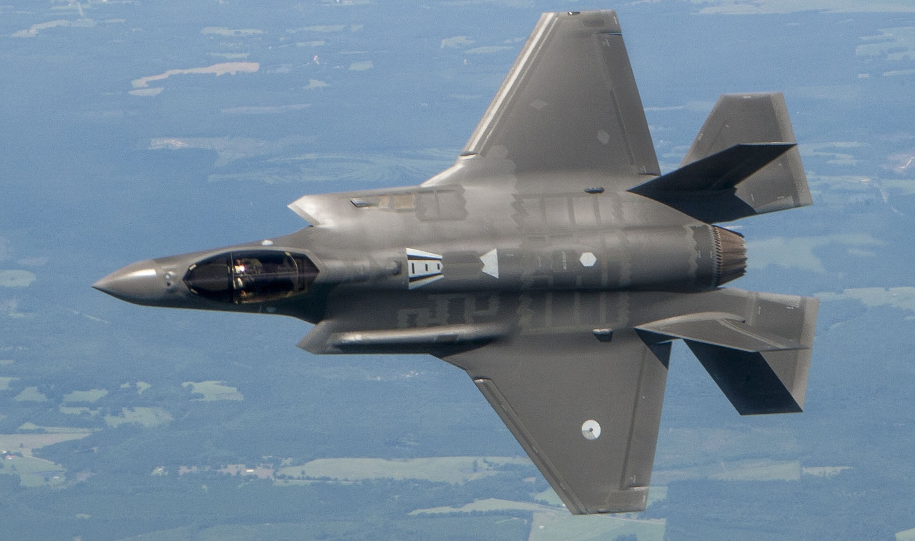 Stealth Brothers: Why the F-35 Will Love the Air Force's New 6th