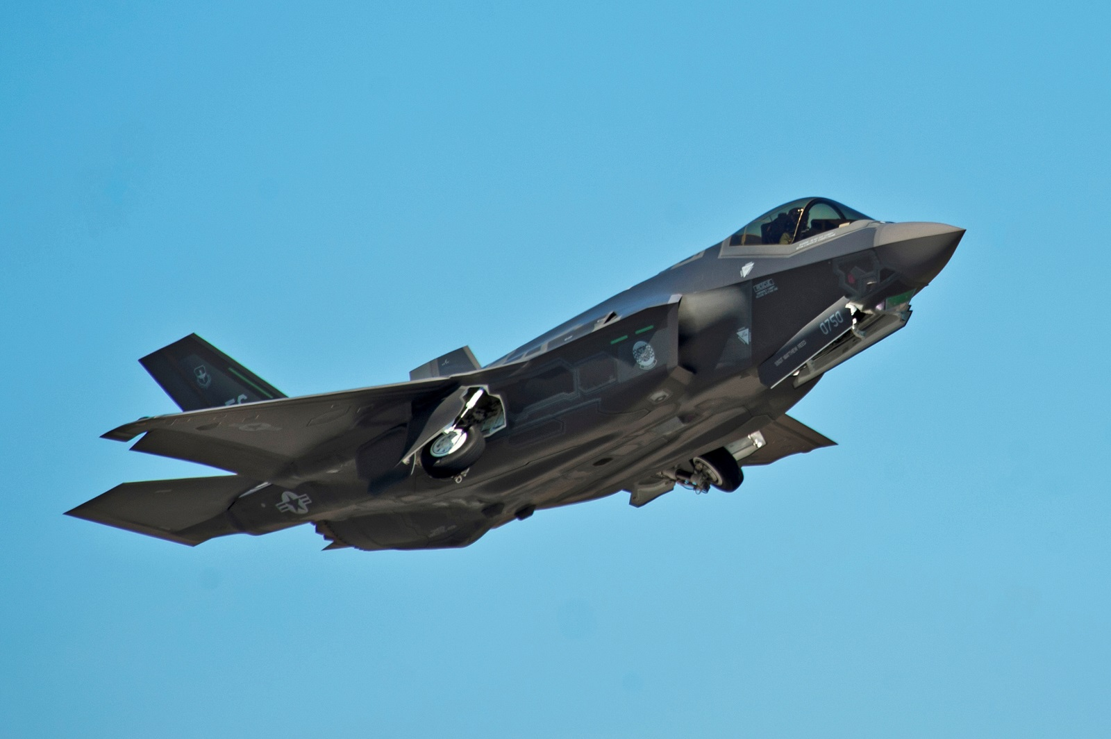 The F-35s Dirty Little Secret Is Right in Front of Us All
