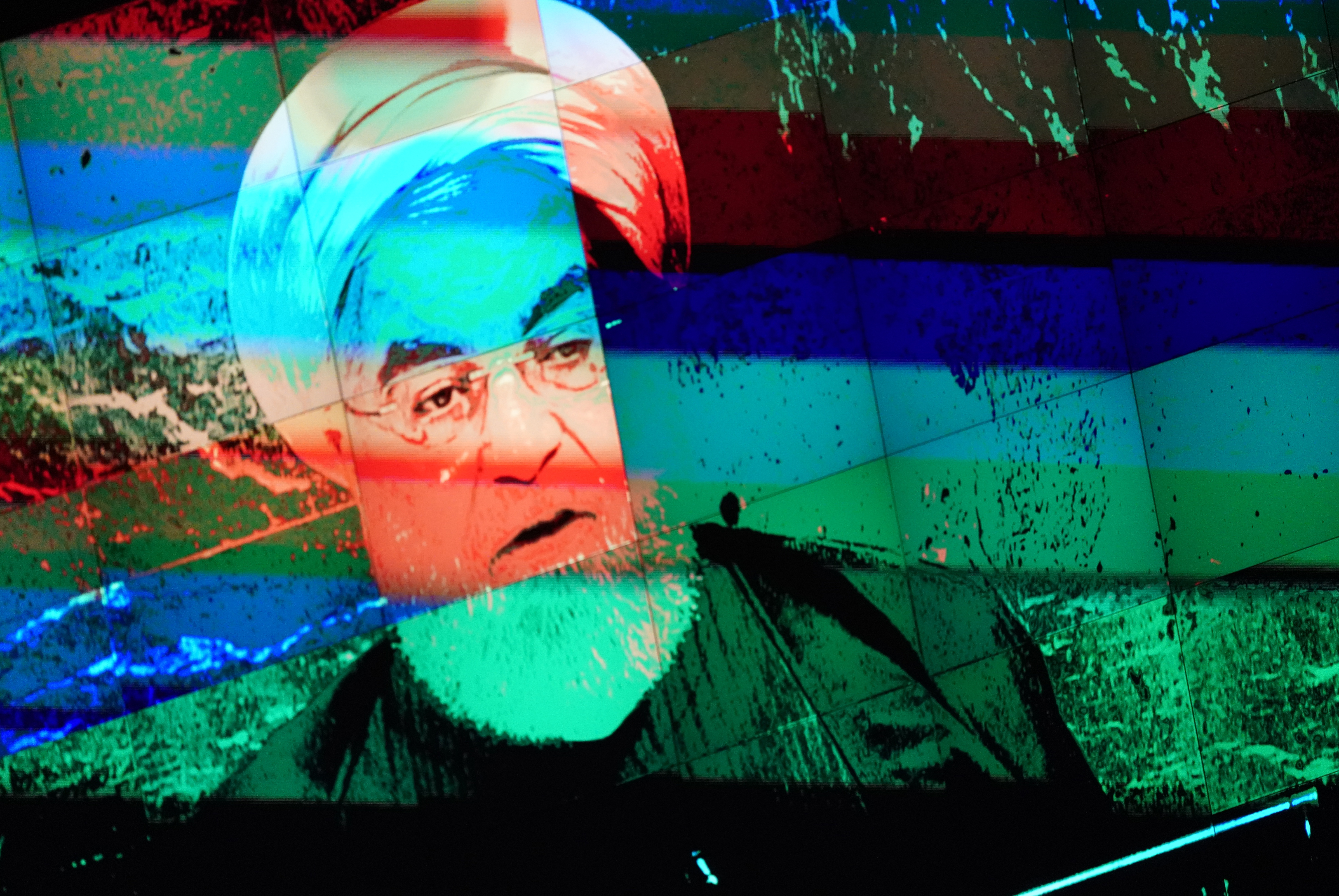 How to Tame Iran and Win a Nuclear Deal