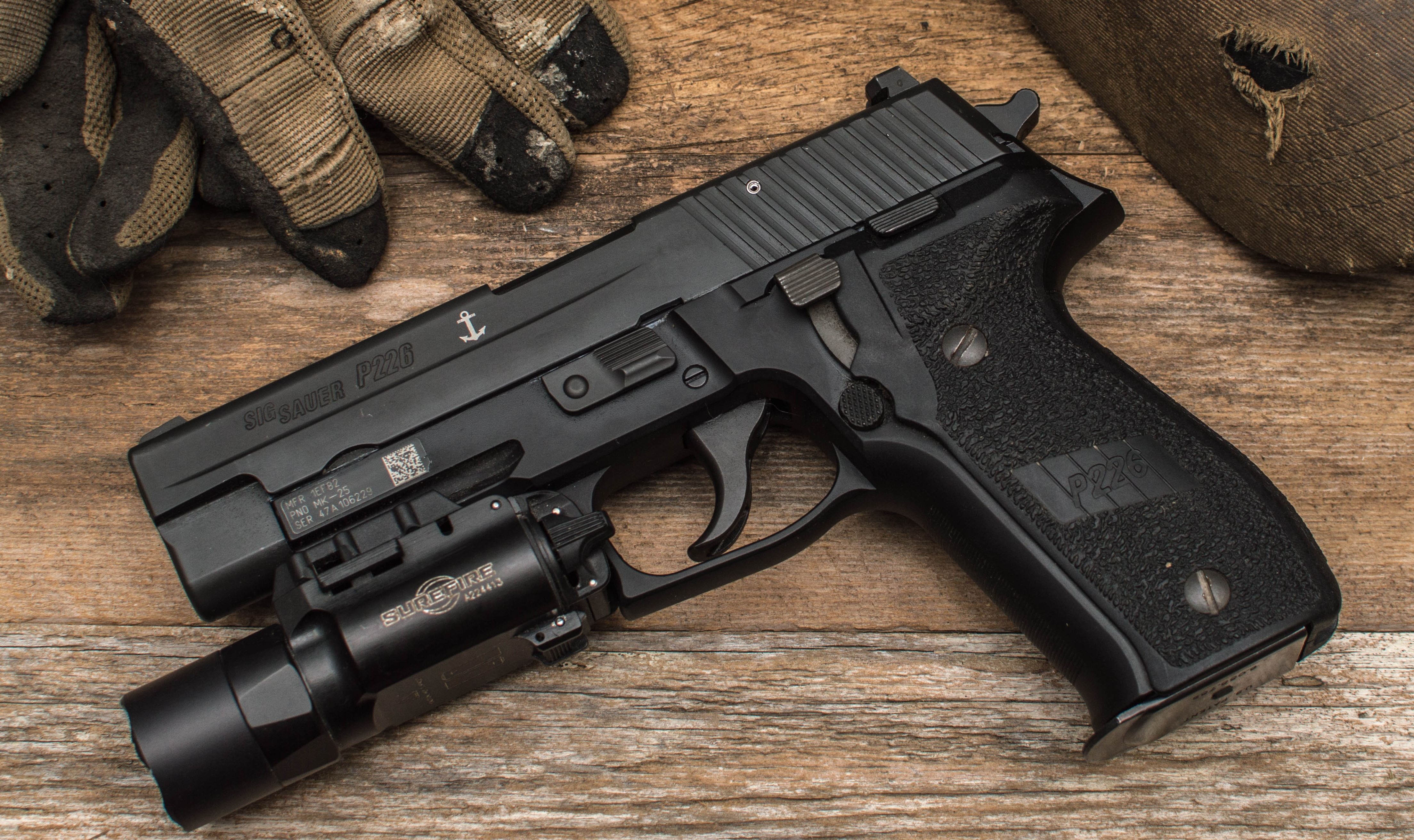 Glock vs  Sig Sauer: Glock 17 vs  P226 (Which Gun Is Better