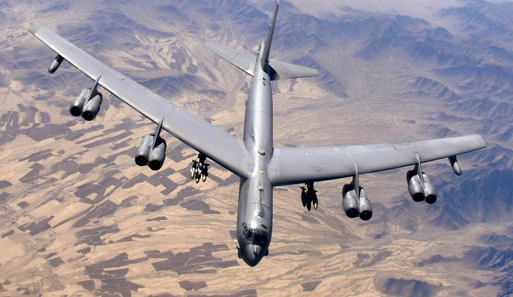 These Pilots Flew B-52 Bombers Only Feet above the Waves—and Lived to