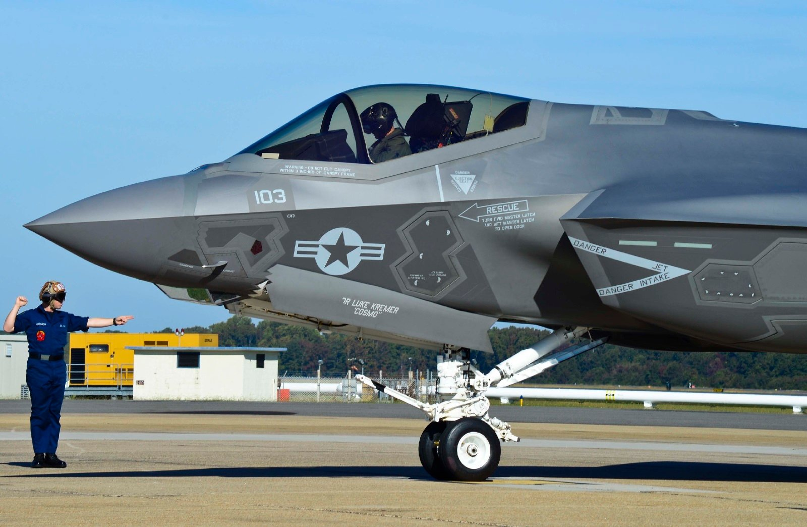 Hangar B Productions - Boeing F-32 Joint Strike Fighter