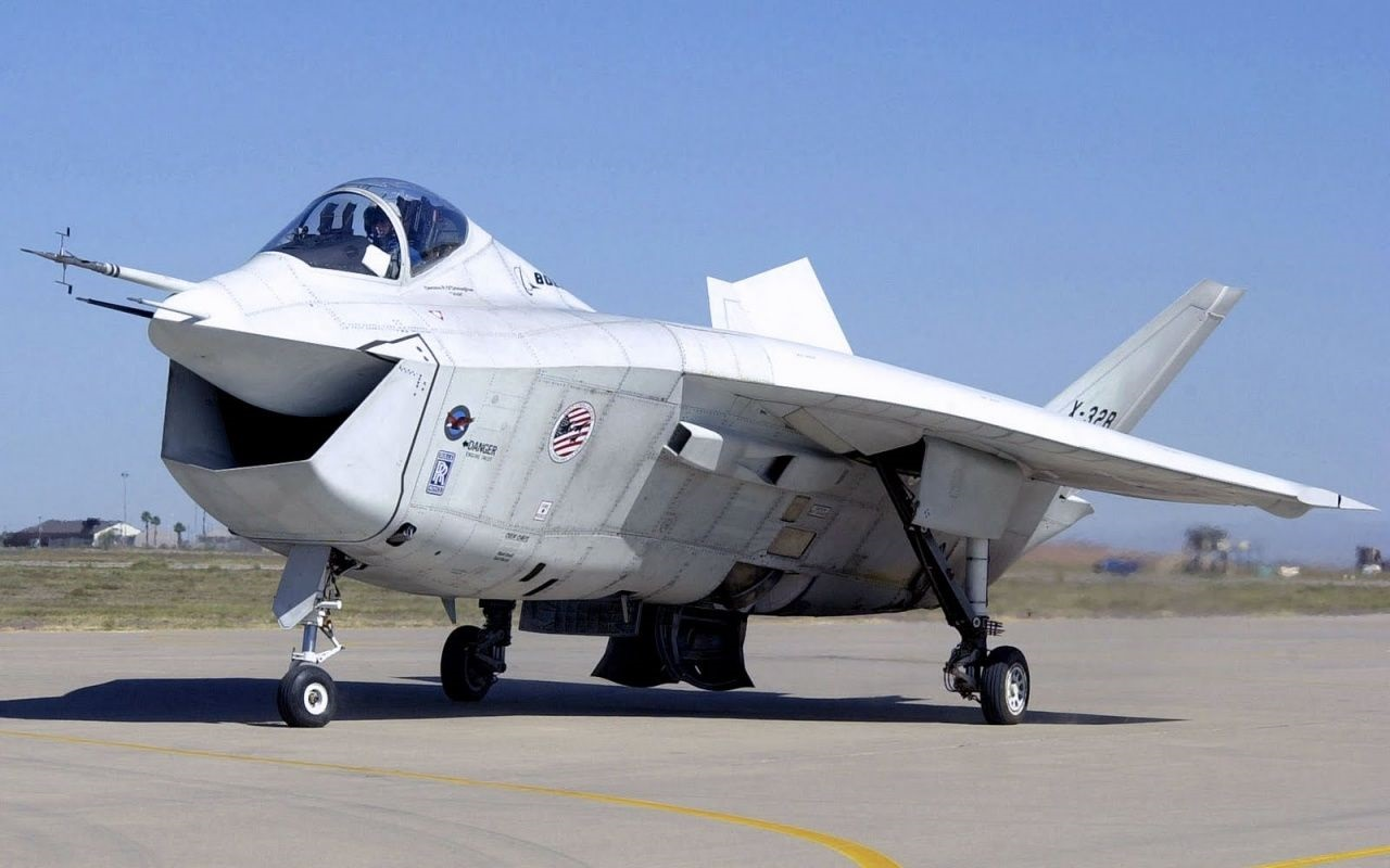 Why the F-35 Could Have Looked Like THIS (And Named the F-32)