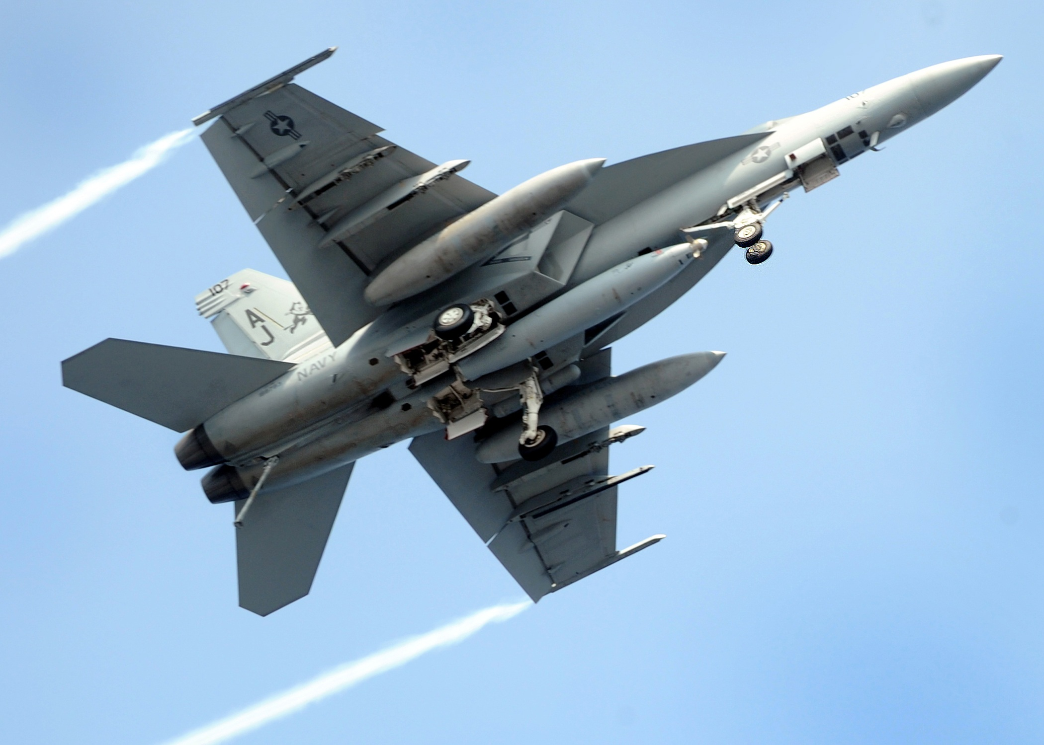 How the U.S. Military Helped Make Top Gun 2