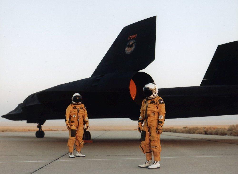 Watch This Amazing Video of the Final SR-71 Blackbird Flight