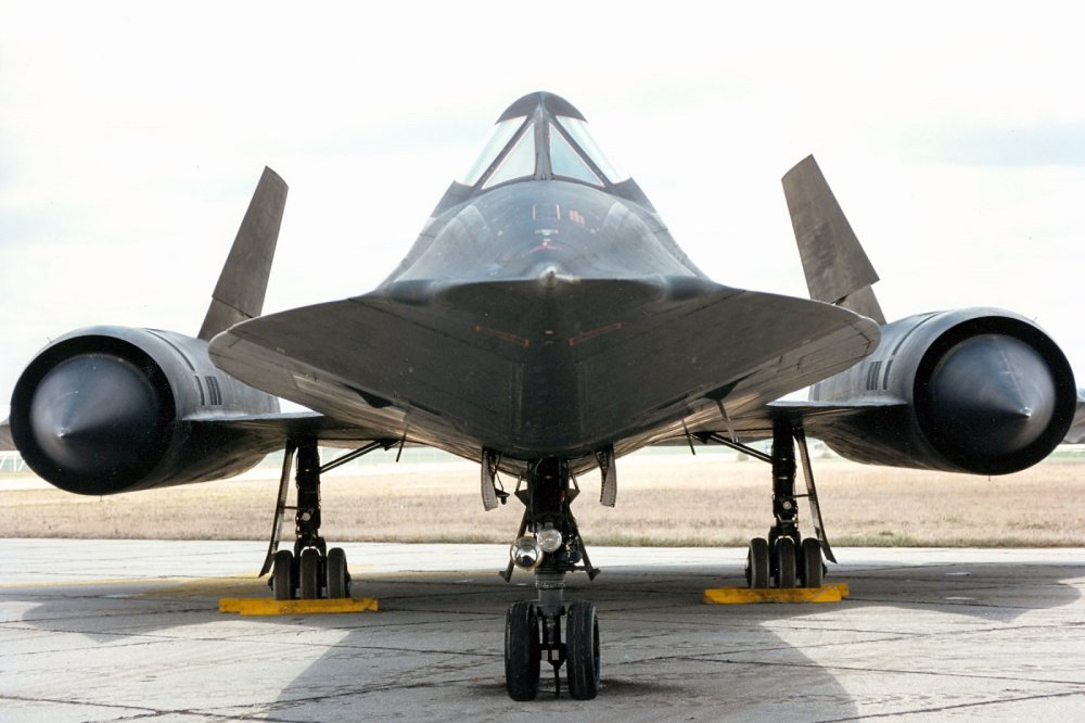 How Fast an SR-71 Spy Plane Can Really Travel Will Shock You | The