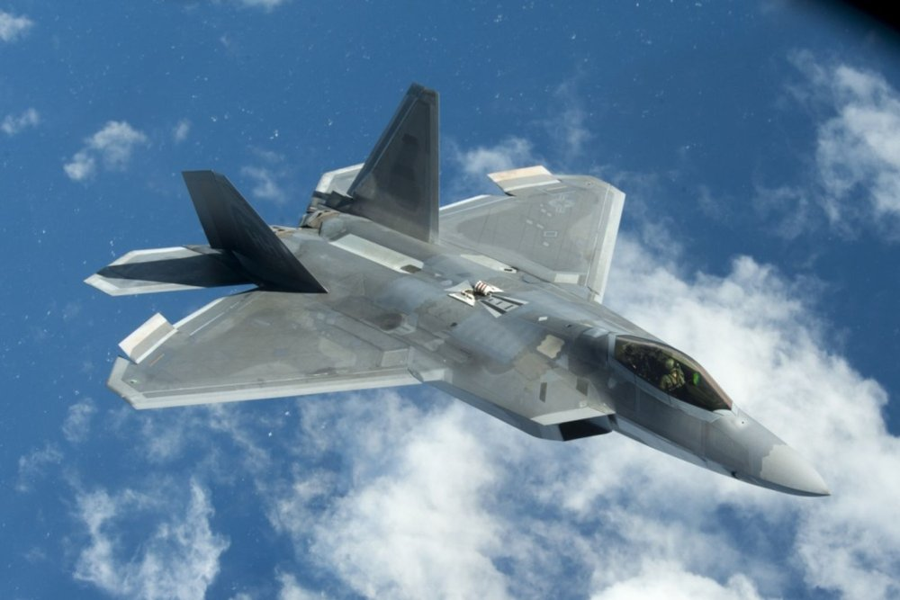 That Time U S  F-22 Raptors Went Toe to Toe with Iran's Air