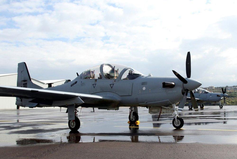 Barato e mortal: por que forças especiais usam o caça A-29 Super Tucano