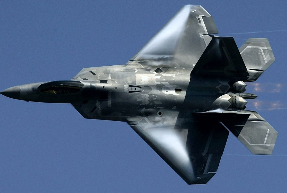 A Russian Su-35 Reportedly Took a Picture of an F-22  Why