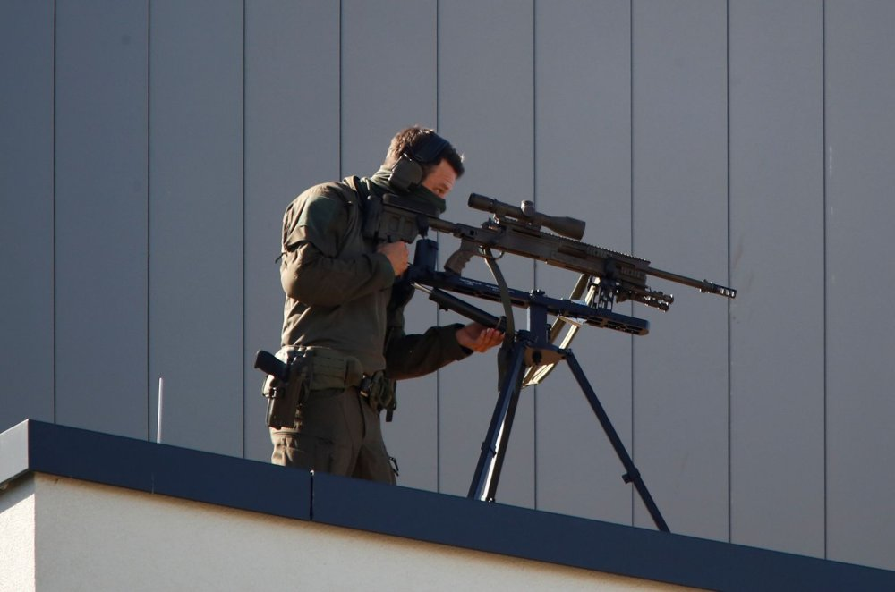 Does Iran's Super Sniper Rifle Really Have a Range of 1,600