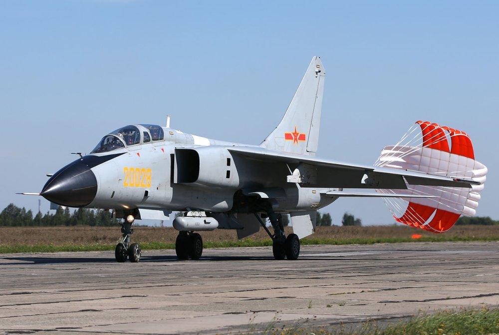 Caça bombardeiro supersônico JH-7A da China