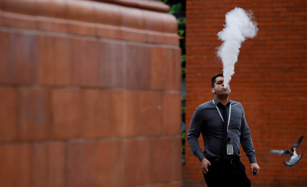 How a person vapes could play a role in lung disease