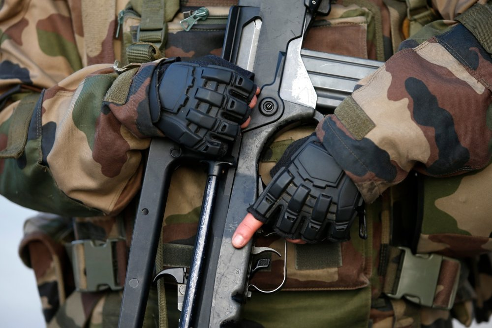 RANKED: The World's 15 Best Shotguns, Handguns, and Military