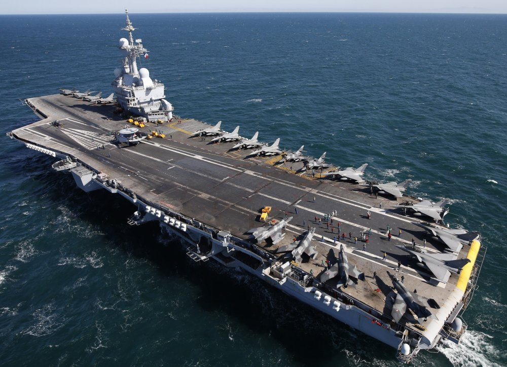 French aircraft carrier Charles de Gaulle with CATOBAR system